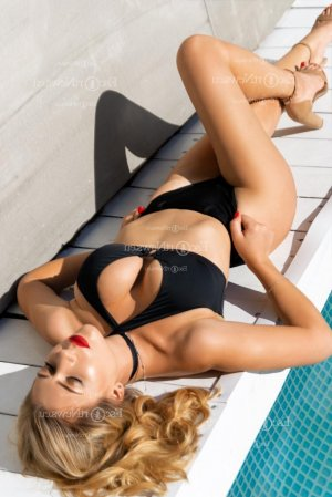 Cyanna erotic massage in Macedonia