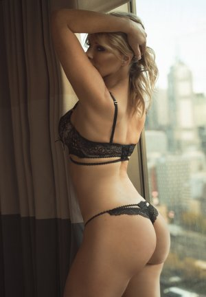 Vanessa erotic massage in Somersworth